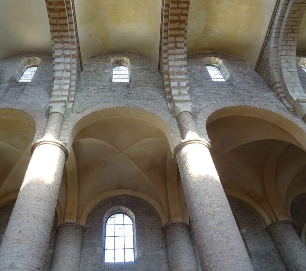 Dieses Foto zeigt das Gewölbe einer Klosterkirche